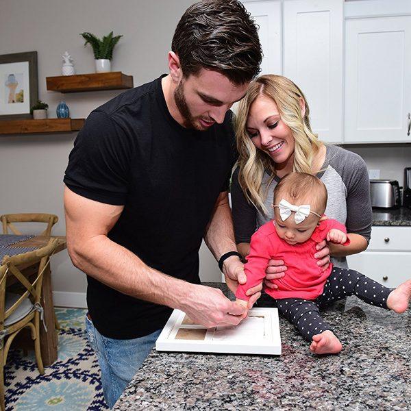 Kit de huellas y manos de bebé con marco de fotos_3